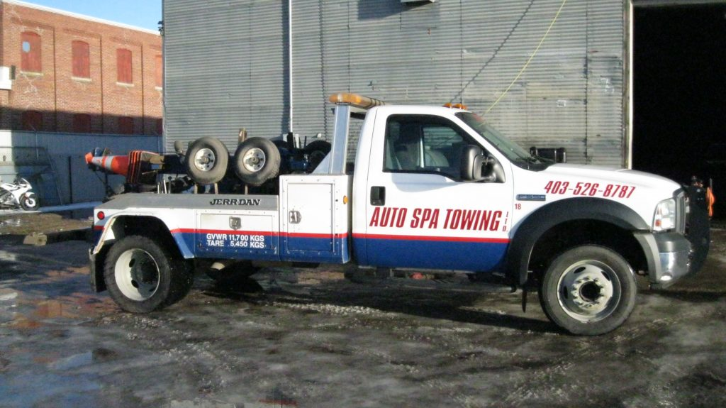 Auto Spa Towing truck representing Auto Spa Towing Ltd.