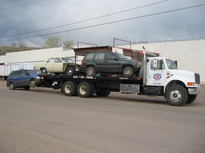 Medium duty towing truck representing Auto Spa Towing Ltd.